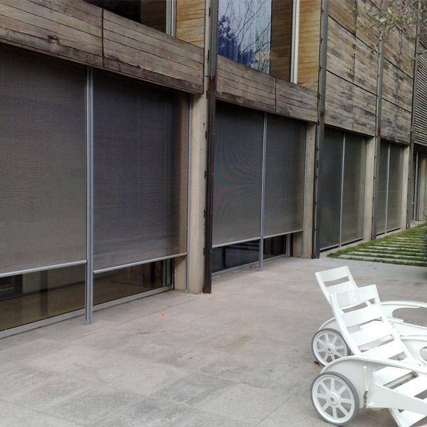 Distribución, instalación y mantenimiento de persianas de protección solar