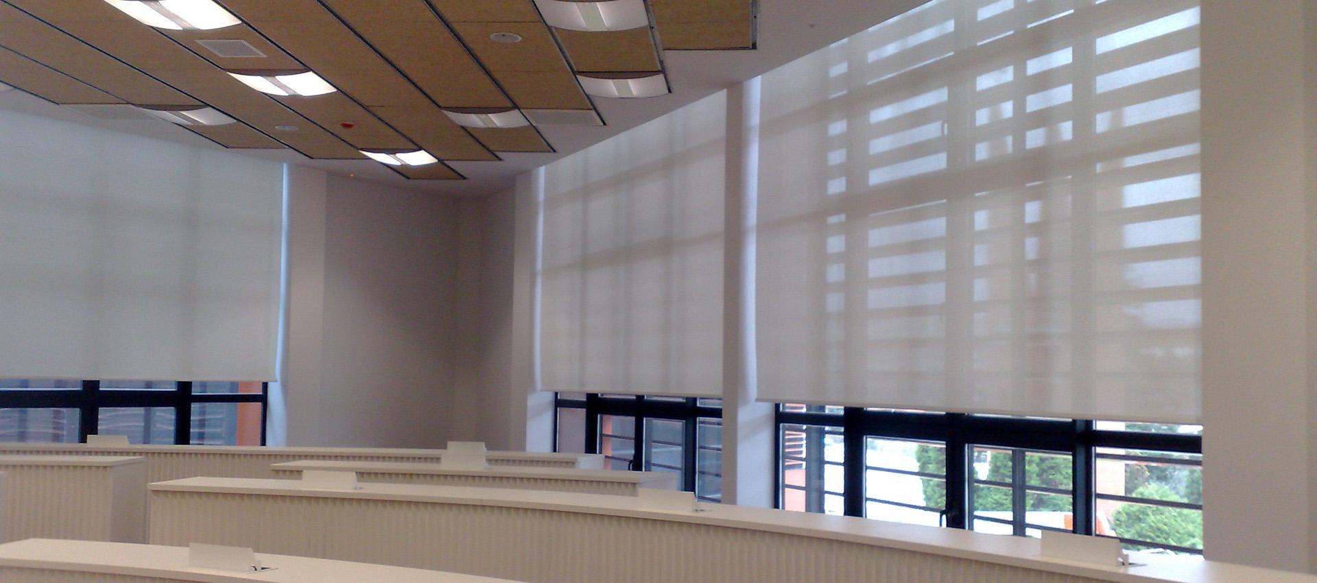 Instalación de cortinas de grandes dimensiones