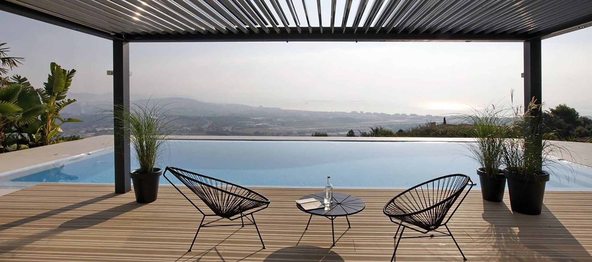 Pérgola bioclimática para terrazas y jardines