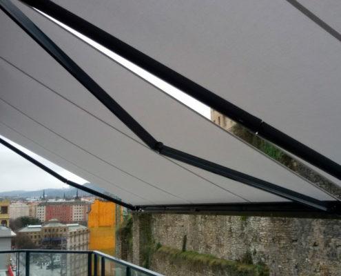 Instalación toldo cofre motorizado en San Sebastián
